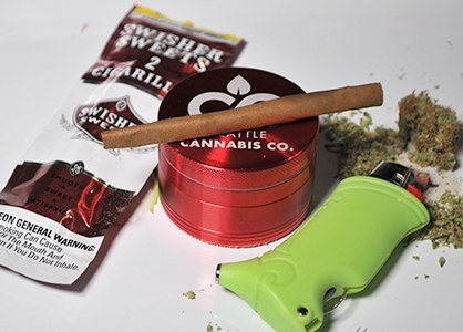 how to roll up a blunt